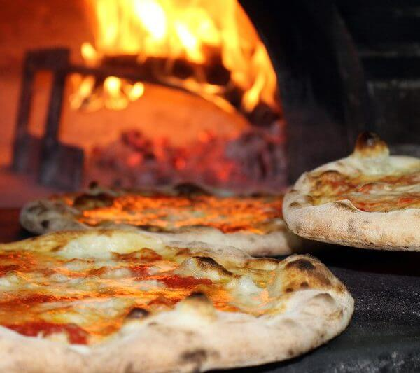 pizza delivery in Van Nuys